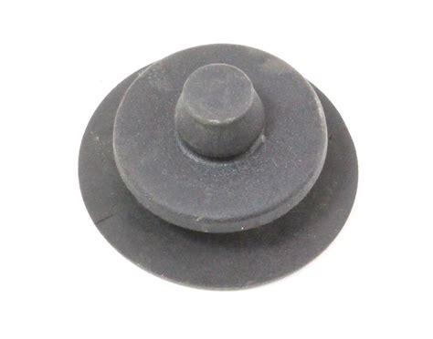 floor mat carpet retainer retention clip black 98 05 vw