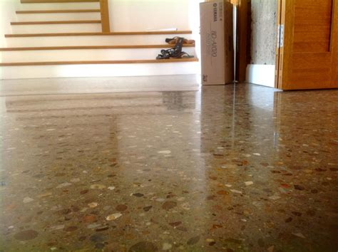 polished concrete floors supporting home interior traba