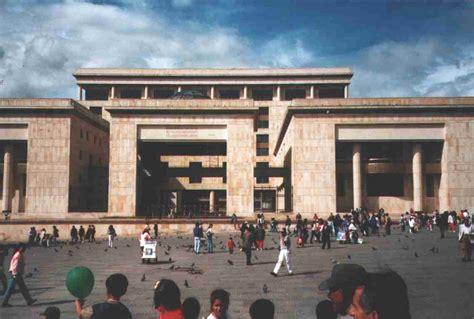 imagenes palacio de justicia bogota plaza de bolivar