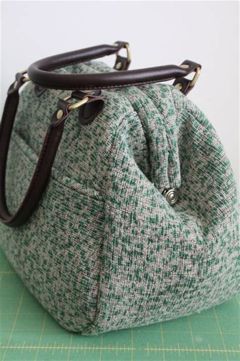 tutorial piping  mary poppins carpet bag pattern give