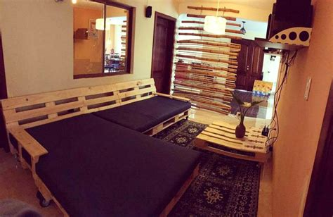 pallet sofa bed diy pallet sofa daybed 99 pallets