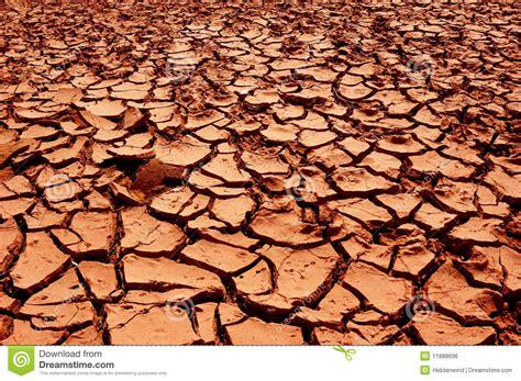 tierras rojas red 8420678058 de droge rode aarde stock foto afbeelding bestaande uit aarde 11888696