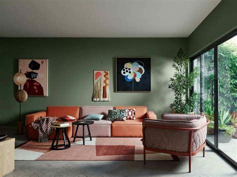 Wonderful Cool Sofas For Bedrooms #9: Id%C3%A9es-d%C3%A9co-salon-canap%C3%A9-en-terracotta-et-brun-cachemire.jpg