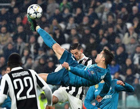 ronaldo juventus overhead cristiano ronaldo goal overhead kick better than rooney s ferdinand football sport