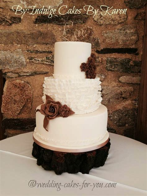Small Barn Wedding Venues Rustic Wedding Cakes For That Homespun Feeling