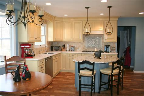 colonial kitchen cabinets country style colonial kitchen farmhouse kitchen
