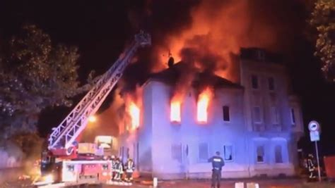 freie wohnungen in duisburg zwei tote und zehn verletzte in duisburg mehrfamilienhaus