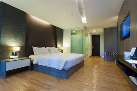 suites with in room 25 luxury hotel rooms suites inspiration for your home