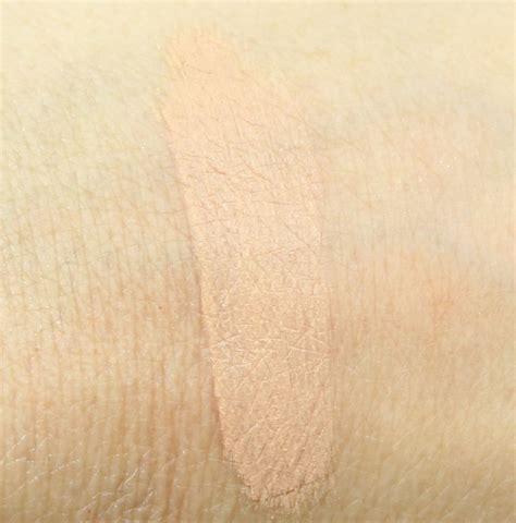 Maybelline Age Rewid Light Pale maybelline instant age rewind eraser spot treatment