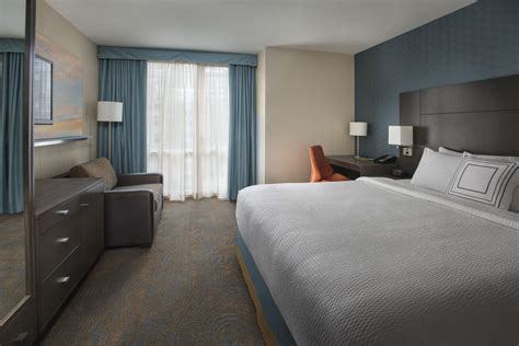 marriott rooms courtyard by marriott new york manhattan chelsea 2017 room prices deals reviews expedia