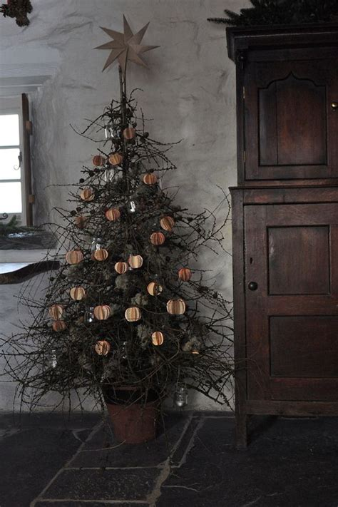 1000 ideas about cottage christmas on pinterest