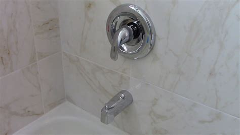 finding   bathroom tub  shower faucets