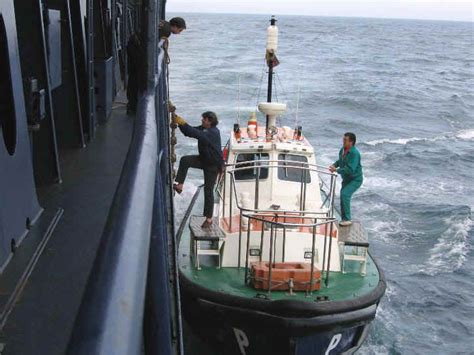Ship Boarding How Is Rigging And Maintenance Of Pilot Ladder Done On Ships