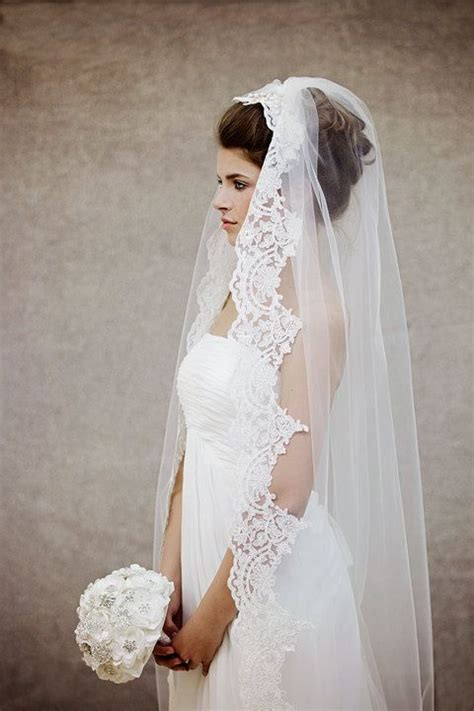 Lace trimmed Wedding Veil with pearl/ crystal bridal comb