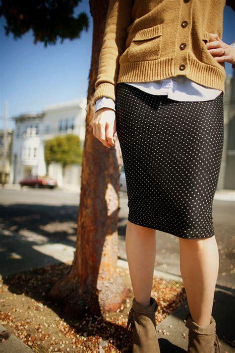 diy 15 minute polka dot pencil skirt say yes