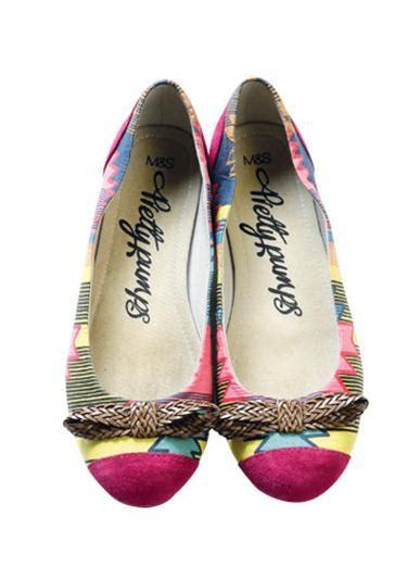 Flat Shoes Pita Putih semarak corak