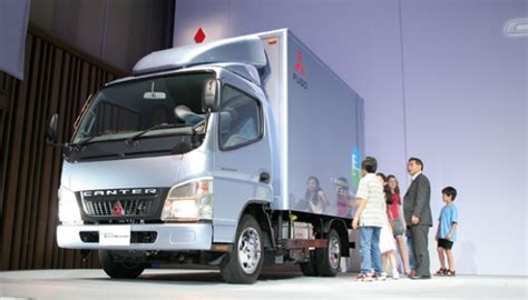 mitsubishi truck indonesia mitsubishi expands truck factory in indonesia economy
