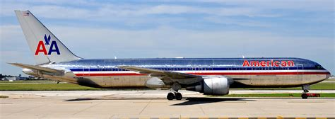 united airlines american airlines big airlines news american airlines declares bankruptcy