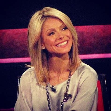 kelly ripa hair today on the show best 25 kelly ripa ideas on pinterest jeans and t shirt