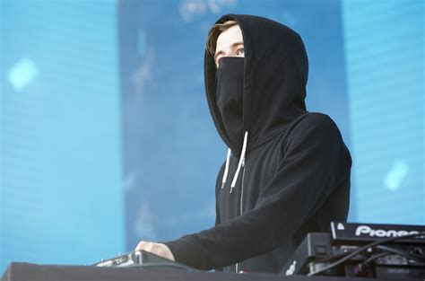 Alan Walker Country | justin bieber enlists alan walker for purpose tour in