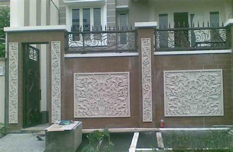 foto pagar besi minimalis  batu alam eksterior rumah