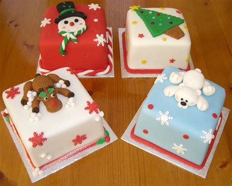 miniature christmas cakes 4 quot fruit christmas cakes