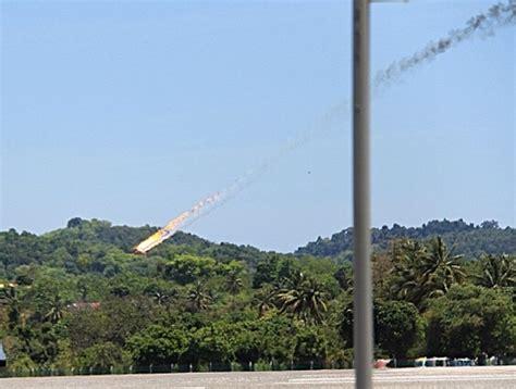 Pesawat Ak pesawat akrobatik indonesia jatuh di malaysia okezone news