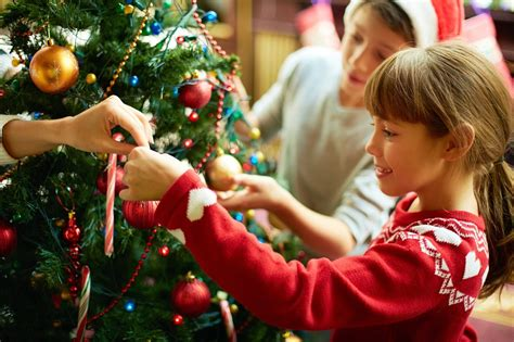 decorating the christmas tree with young kids steemit
