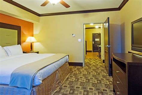 2 bedroom suites in columbia sc holiday inn express hotel suites columbia fort jackson