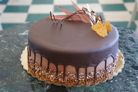 Home Decoration Online by Chocolate Truffle Cake Classic Bakery