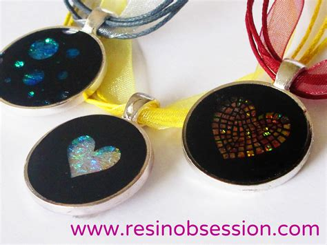 A Dichroic Look by Dichroic Glass Lookalike Resin Pendant Tutorial Resin