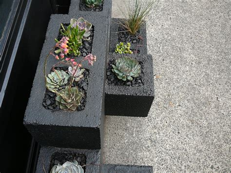 cinder block planter diy cinder block planter beautiful home and garden