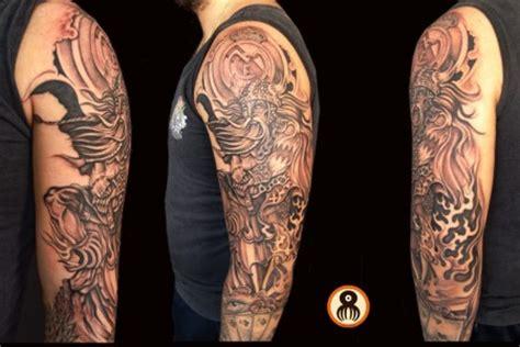 fotos real madrid vikingos tatuaje de un vikingo y el escudo del real madrid