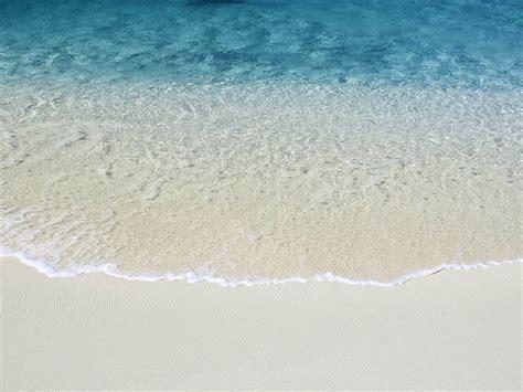 Wallpaper Apple Beach | 1600x1200 mac os x beach desktop pc and mac wallpaper