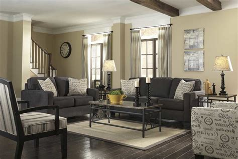color curtains   beige walls  dark furniture