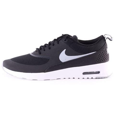 nike si鑒e nike air max thea womens trainers in black white