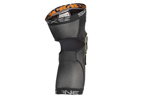 Knee Protector Sixsixone 661 sixsixone recon pair of knee pads black alltricks