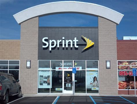 store for sprint closing 55 stores 150 service centers and laying