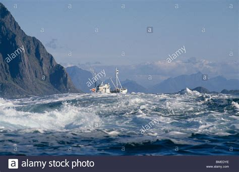 fishing boat caught in storm rough sea stock photos rough sea stock images alamy