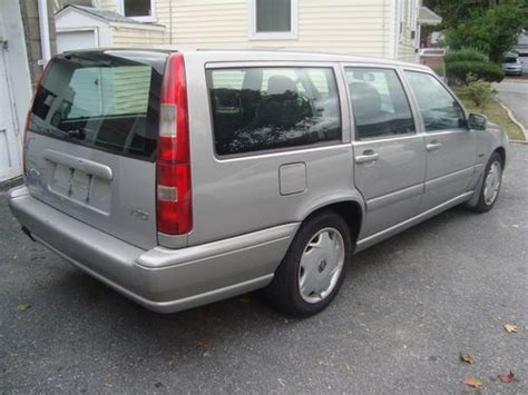 volvo station wagon 1998 sell used 1998 volvo v70 station wagon w third row seats