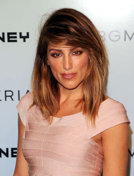 jennifer esposito hair styles more pics of jennifer esposito medium layered cut 4 of 4