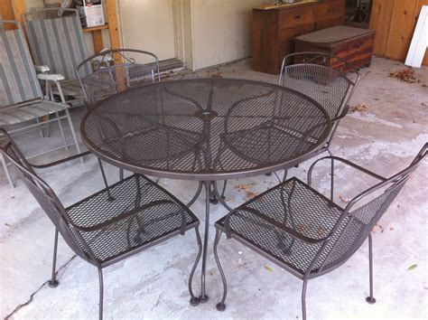 Best Spray Paint For Metal Patio Furniture Best Way To Paint Metal Outdoor Furniture Veda August 17