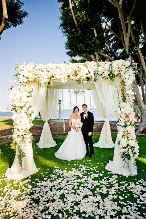 Wedding Anniversary Ideas San Diego by Stunning Floral San Diego Wedding At Harbor Island Park