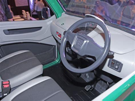 re bajaj new car bajaj releases re60 the new four wheeler for indian city