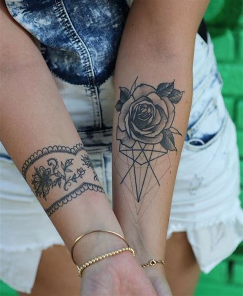 tatuaggi fiori per uomo tatuaggi fiori braccio uomo 28 images 1001 idee per