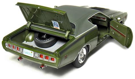 Ertl American 1971 Cuda 383 Diecast 1 18th Scale 1971 dodge charger r t 440 magnum green metallic
