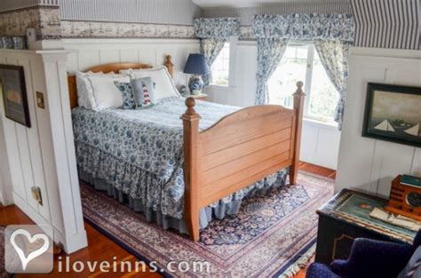 pacific grove bed and breakfast old st angela inn in pacific grove california iloveinns com