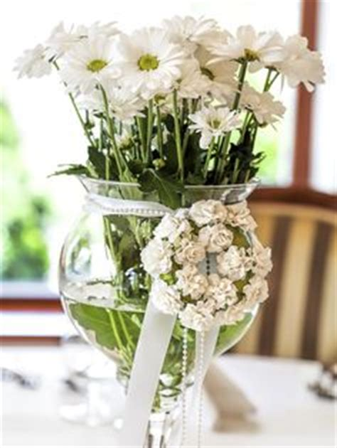 easy wedding centerpieces non flowers 1000 images about casual arrangements on bridal bouquets simple flowers and