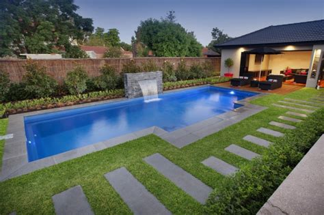 Small Backyard Ideas With Pool Concept Landscaping Backyard Swimming Pool Landscaping Ideas