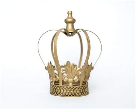 gold crown centerpieces gold crown centerpiece gold crown large wedding cake